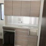 機能満載の食器棚